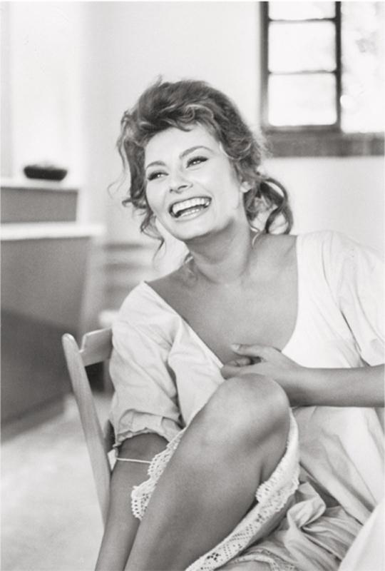 Alfred Eisenstaedt    Sophia Loren , 1961  Silver print  20 x 16 inches  Edition of 250