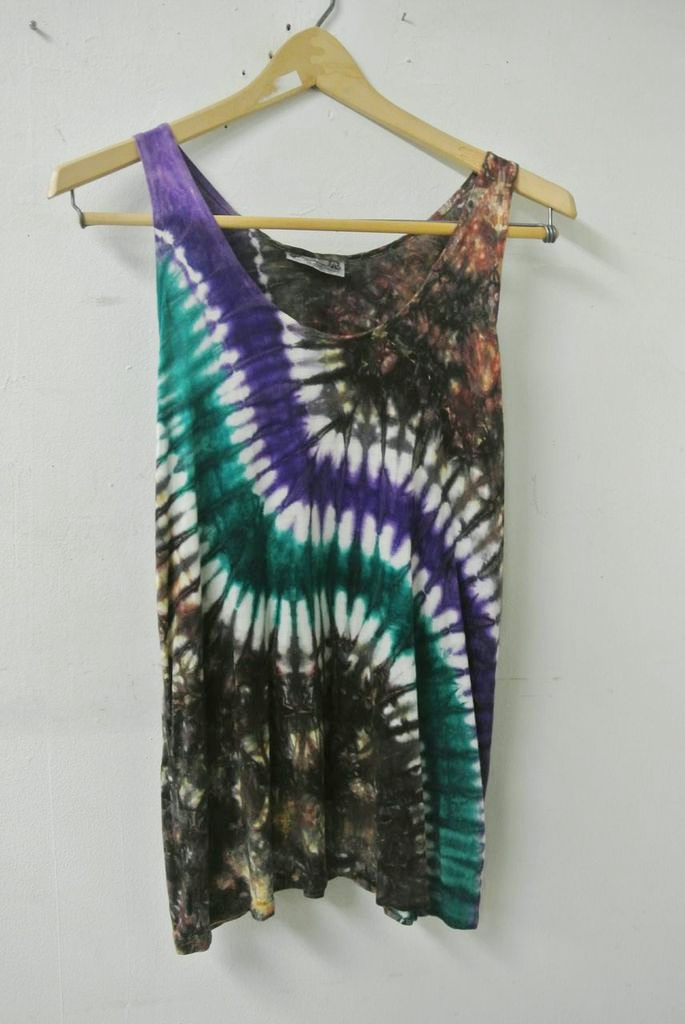 Hand-dyed tank ($5)