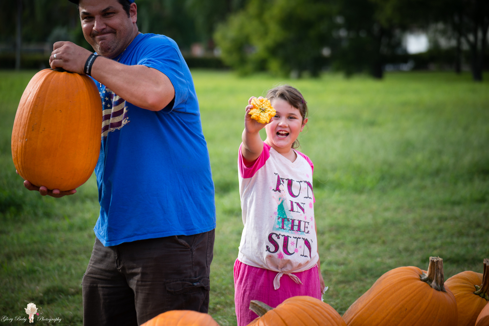 PumpkinPicking2015wm (30 of 64).JPG