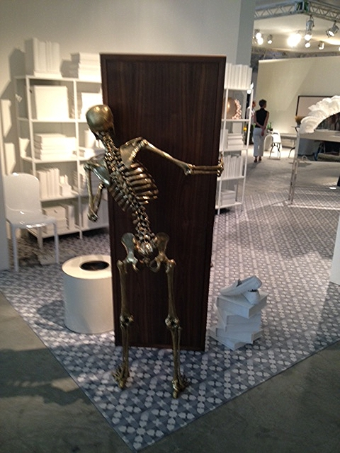 And this sneaky fellow at House of Today Beirut: Look Back, by Karim Chaya.