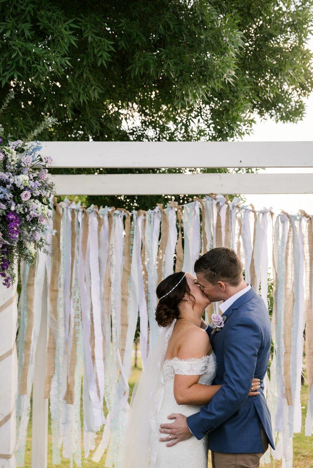 troy emma blue wren winery mudgee wedding photographer 33.jpg