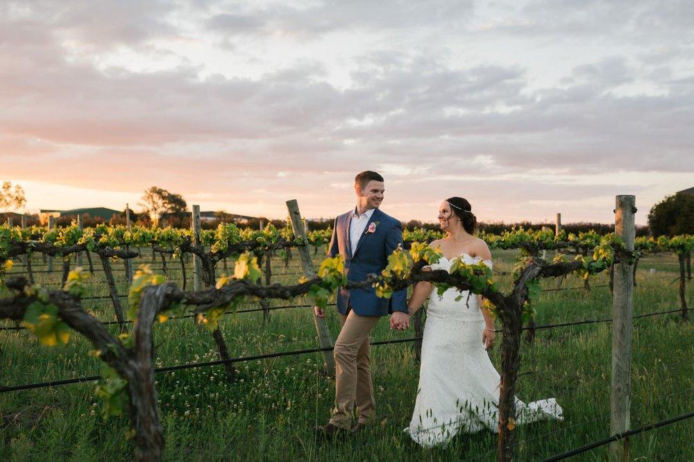troy emma blue wren winery mudgee wedding photographer 55.jpg