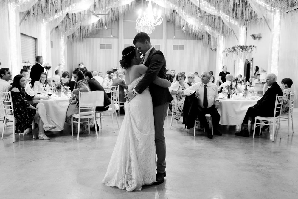 troy emma blue wren winery mudgee wedding photographer 69.jpg