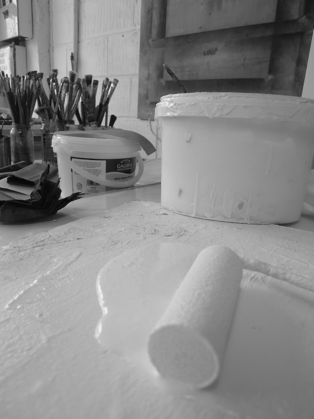 Priming boards for oil painting