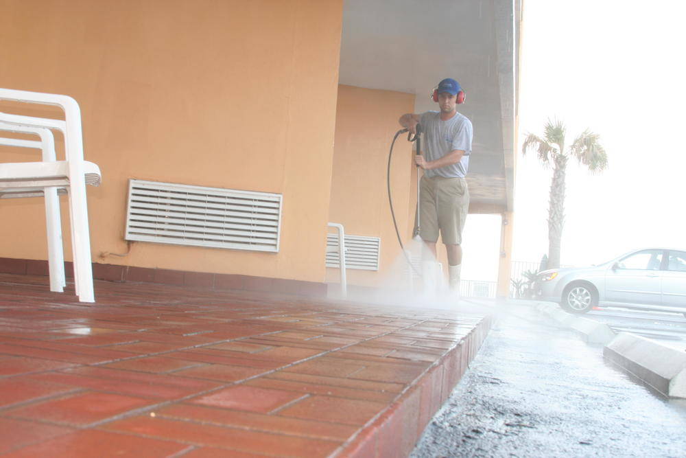 Pressure Washing a Local Commercial Building