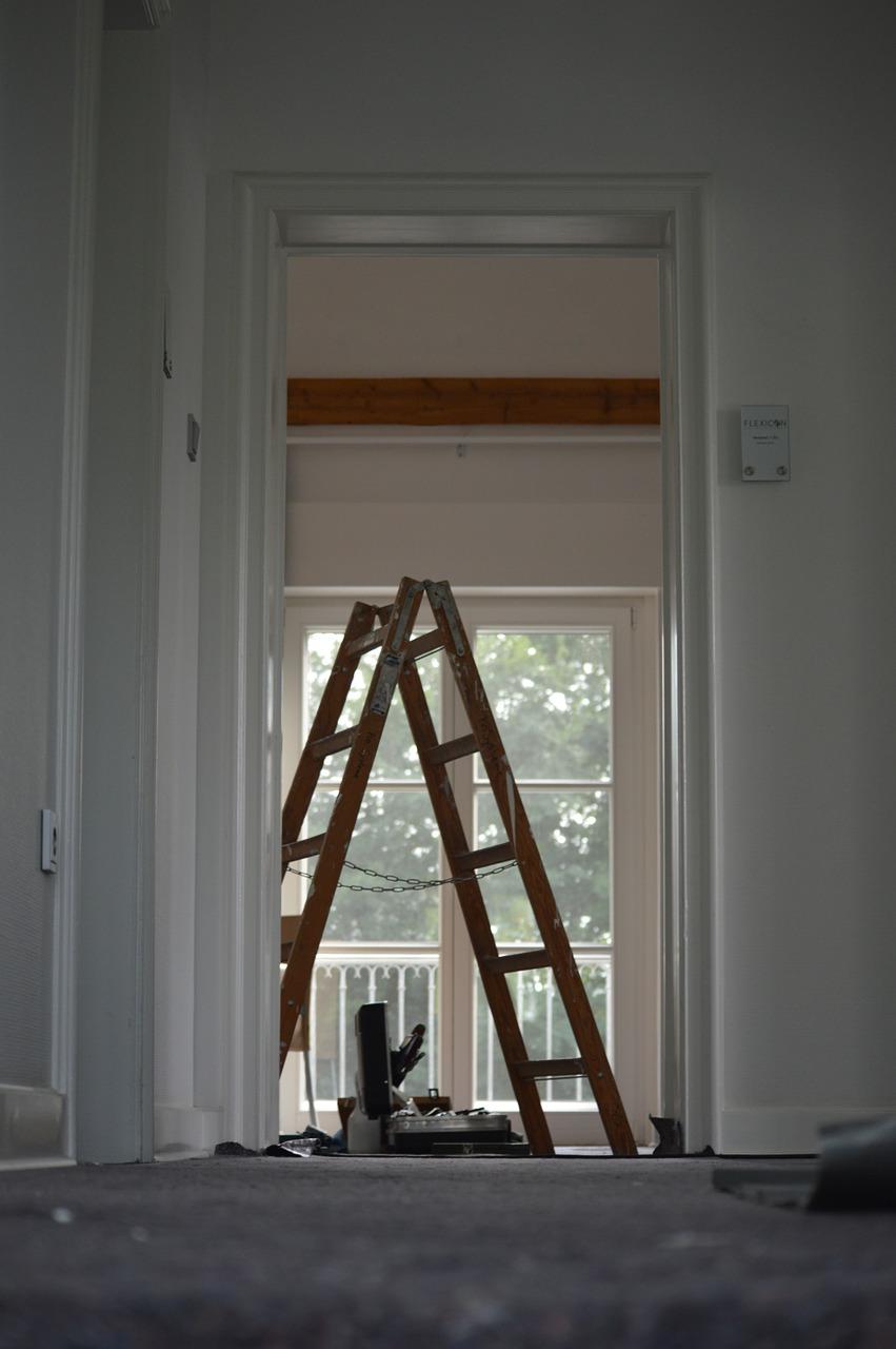 ladder use.jpg