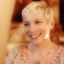 ANNIE LENNOX INTERVIEW (HOUSE OF LENNOX & ACC)