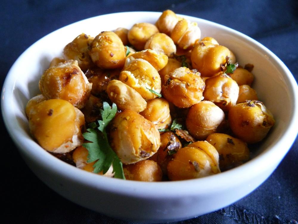 Crunchy Roasted Chickpeas.jpg
