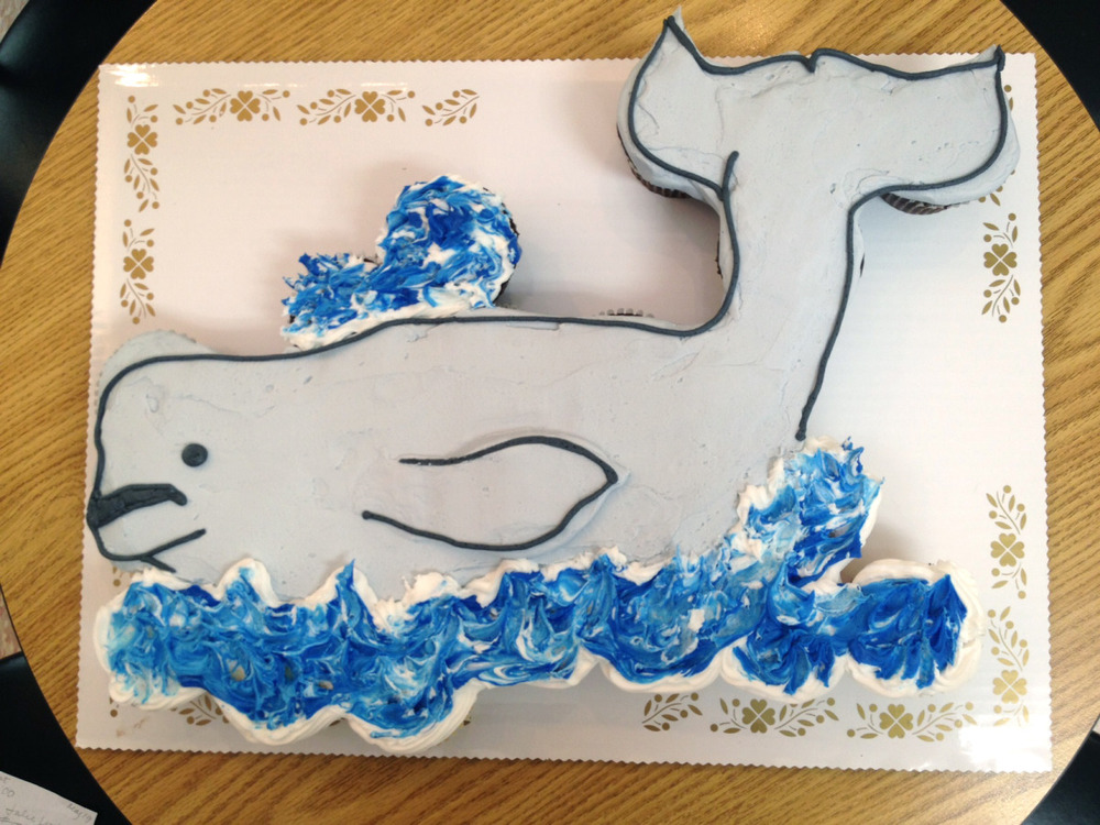 Beluga Whale out of Cupcakes