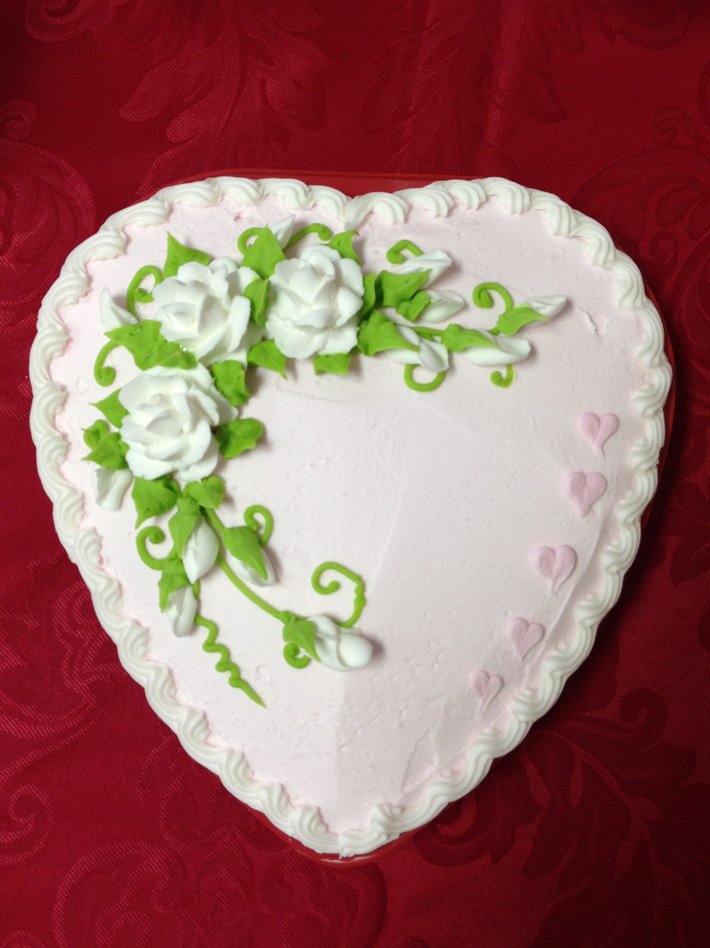 White Roses Heart Shaped Cake