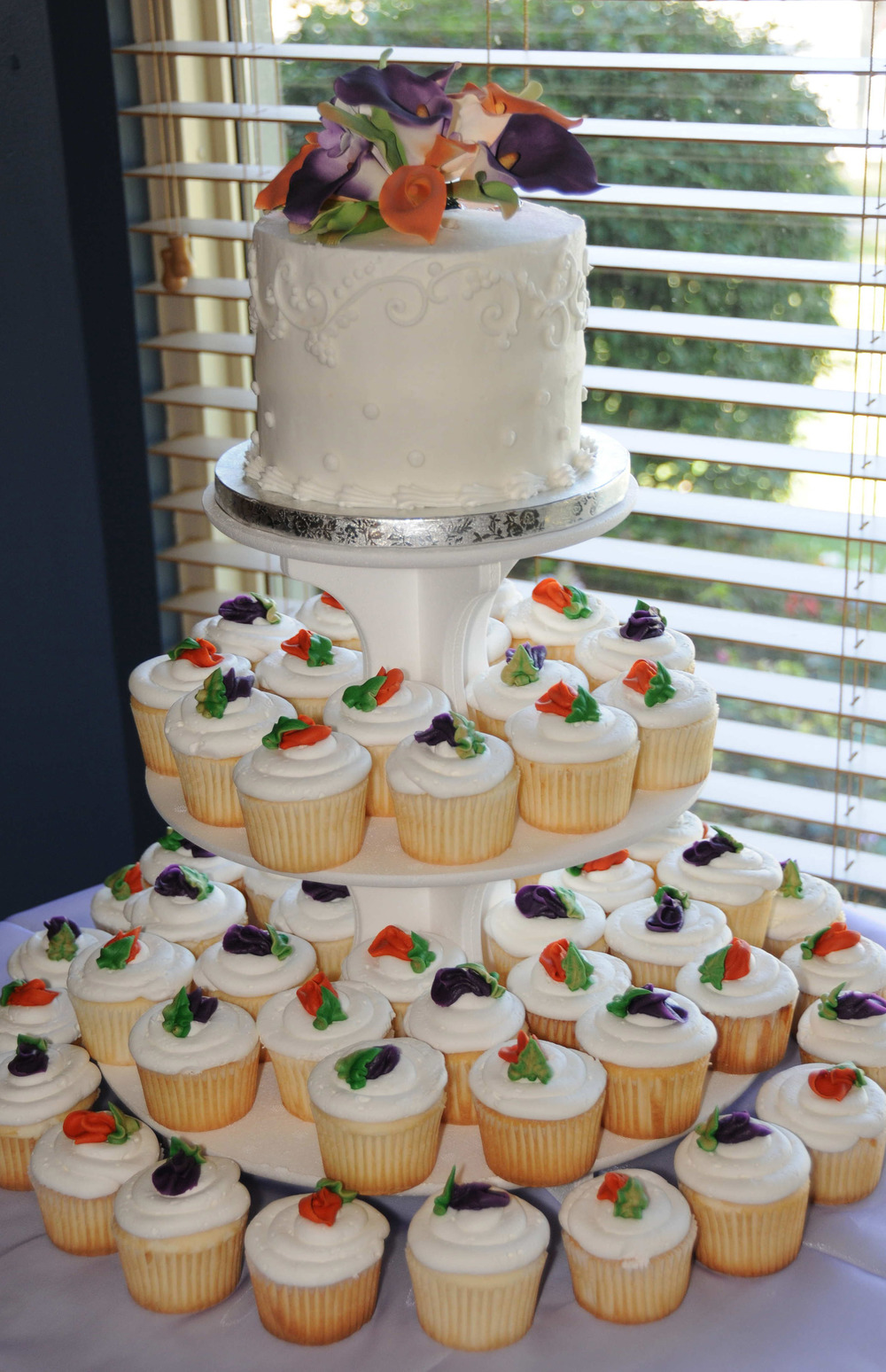 Rosebuds Wedding Cupcakes