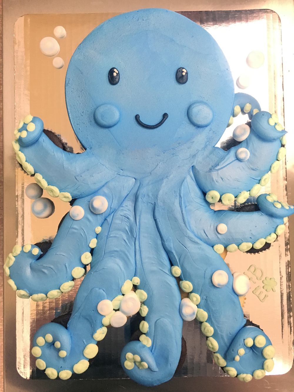 Octopus out of Cupcakes