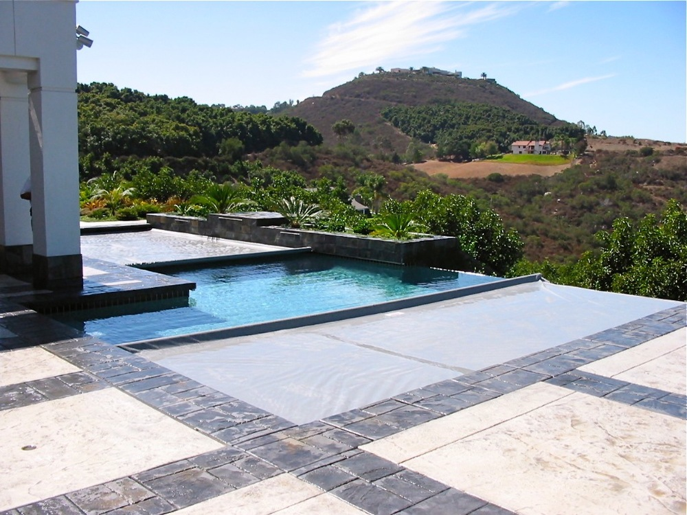 Double covers on vanishing edge pool.jpg