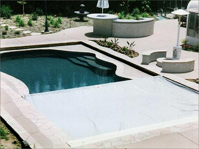 poolinpool08.jpg