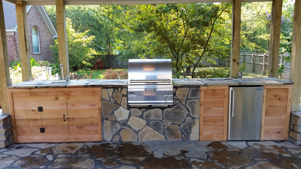 Outdoor Kitchen Bryant AR.jpg