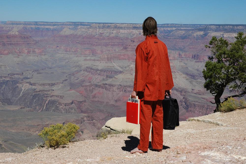 Barefoot lone pilgrim07.jpg