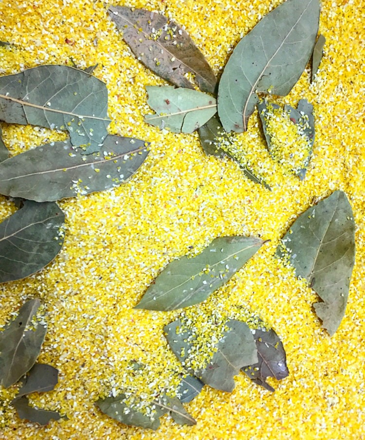 Castle Valley Mill Yellow Grots with Bay Leaf