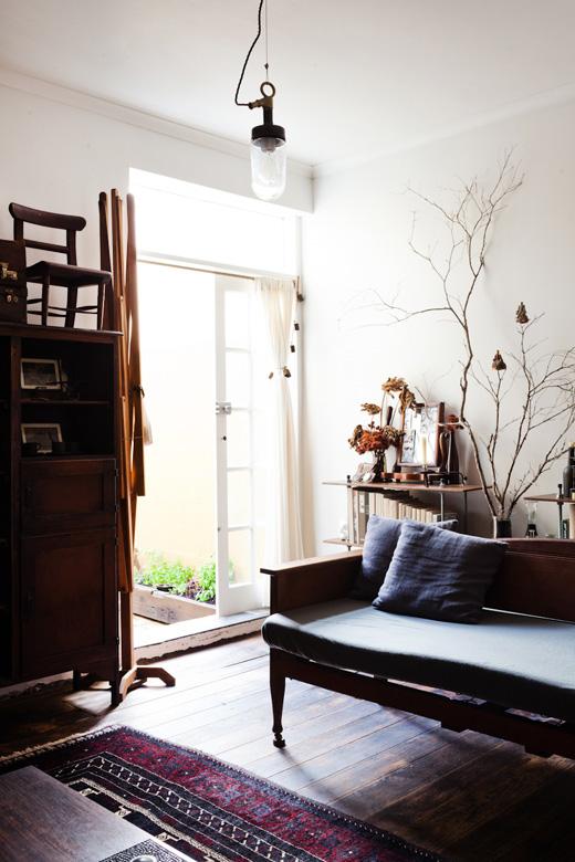 Jules-loungeroomhero.jpg