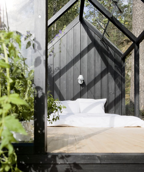 dezeen_Garden-Shed-by-Ville-Hara-and-Linda-Bergroth-10.jpg