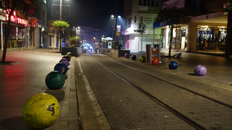 Kadıköy, Aralık 2013. İki topu boyama uğruna devleti karşısına alan yürekli insanlar.