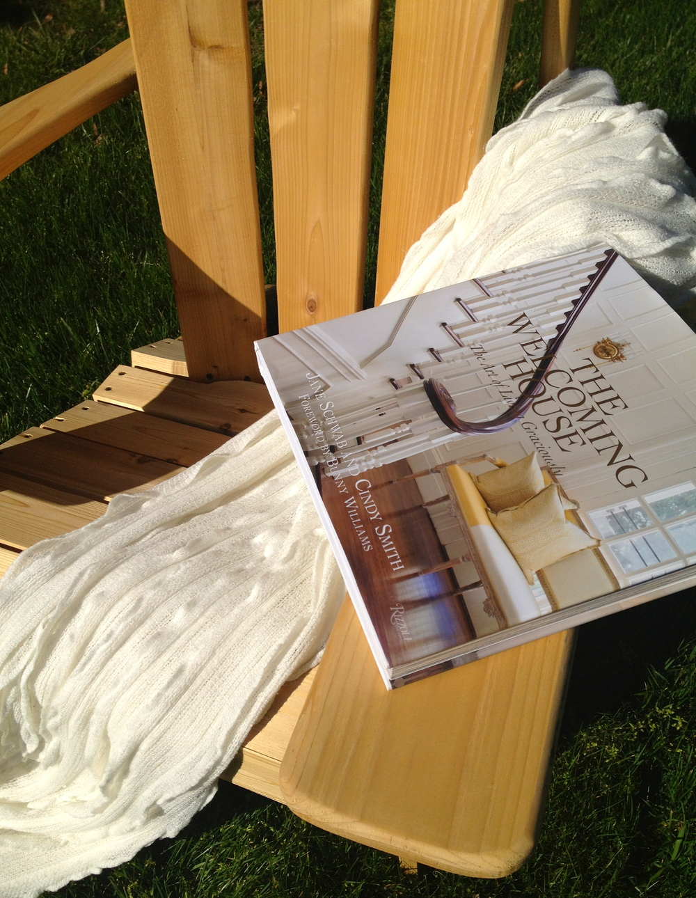 there's nothing like relaxing in the sun to a good book