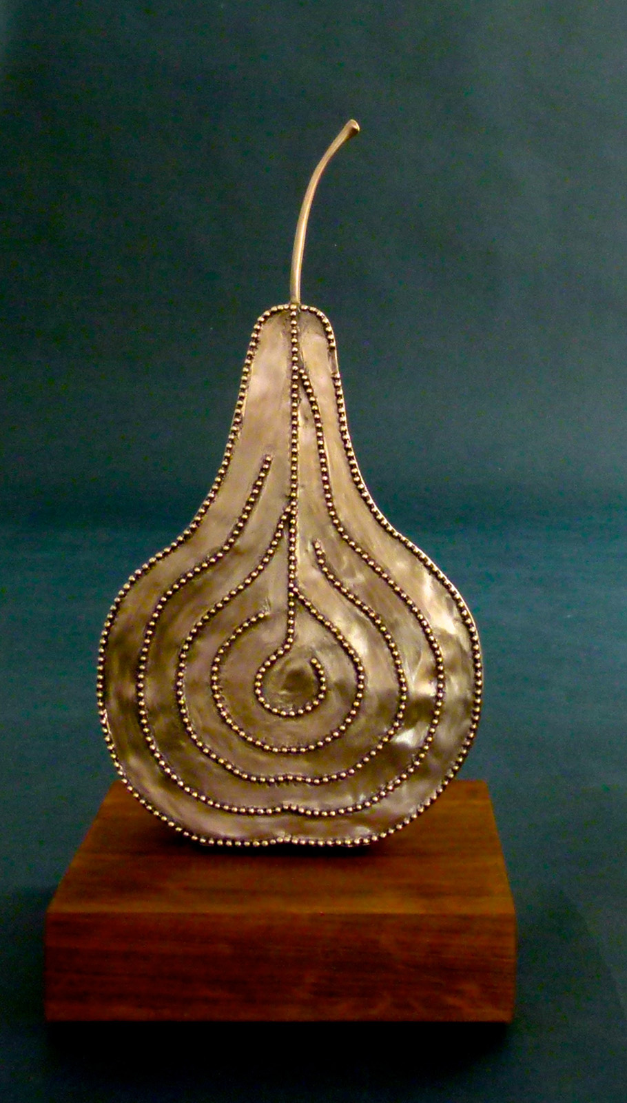Marcia   Raff    The Pear Finger Labyrinth/Bronze    Bronze    $4,550