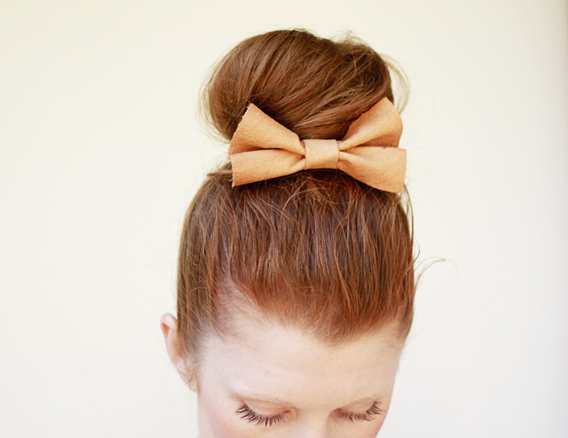 diy-hair-bow-sock-bun.jpg