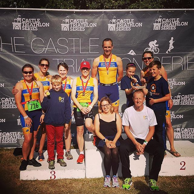 Brighton Tri Club's got Hever fever! Great day racing by all in the blue & gold at @castletriathlonseries 🏆✨🎉 #triathlon #raceday #hevercastle #endofseason #swimbikerun