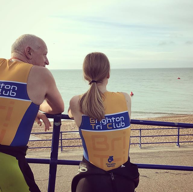 Perfect conditions for a day along the coast at #EastbourneTri 🌊☀️ Plenty of #blueandgold out on the course today - make sure to give them a wave! #triathlon #raceday #32gi #sussex #isitsaturday