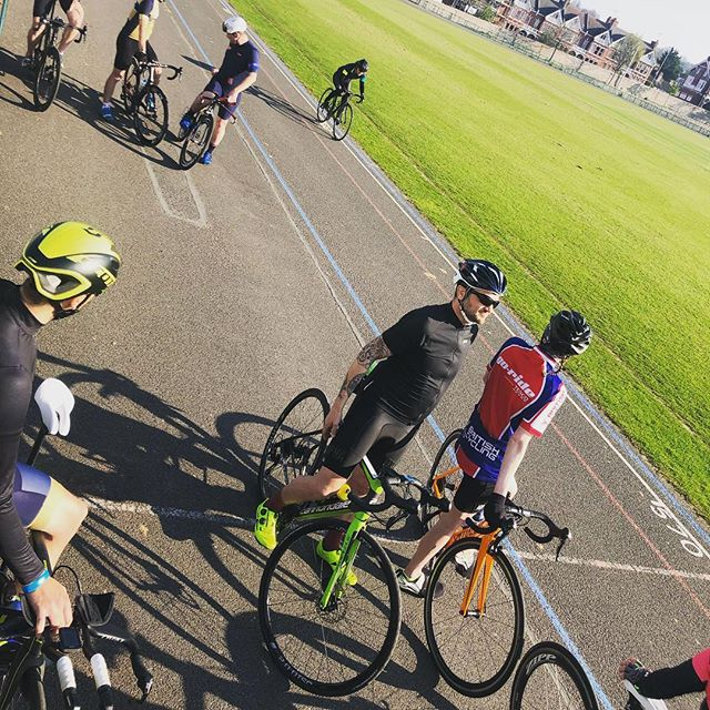 Our weekly coached Velodrome sessions at Preston Park are free to all our members and are an absolutely brilliant way for our beginners to build bike confidence and speed under the help and guidance of our excellent coaches. Todays was a smasher! To find out how to get involved simply visit www.brightontri.org #brightontriclub  #brightontri #prestonparkvelodrome #ridingincircles @daddybaresi @ratperry @mcalisterseamus
