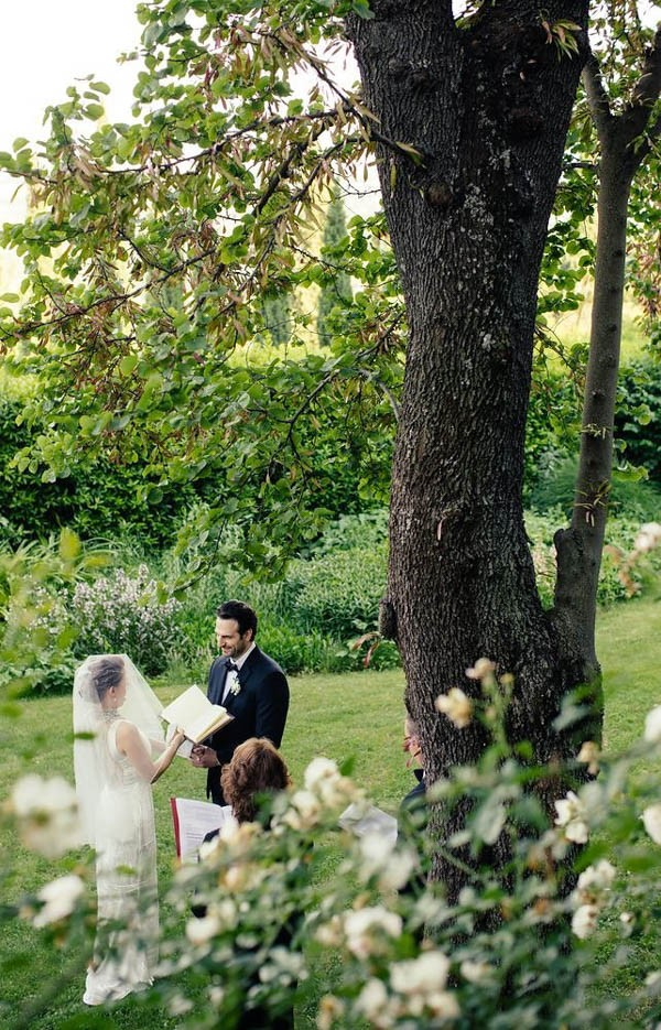 Florence-Italy-Elopement-at-Torre-di-Bellosguardo-Hotel-Gattotigre-Videographers-16-600x935.jpg