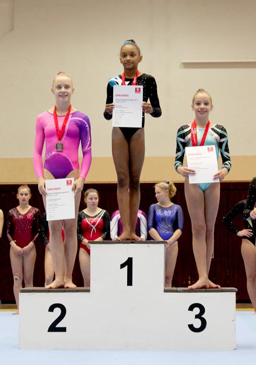 Einzelgerät Barren: 1. Platz für Seyna N`Doye (AK12) und 3. Platz für Anouk Almeida de Oliveira (AK13)