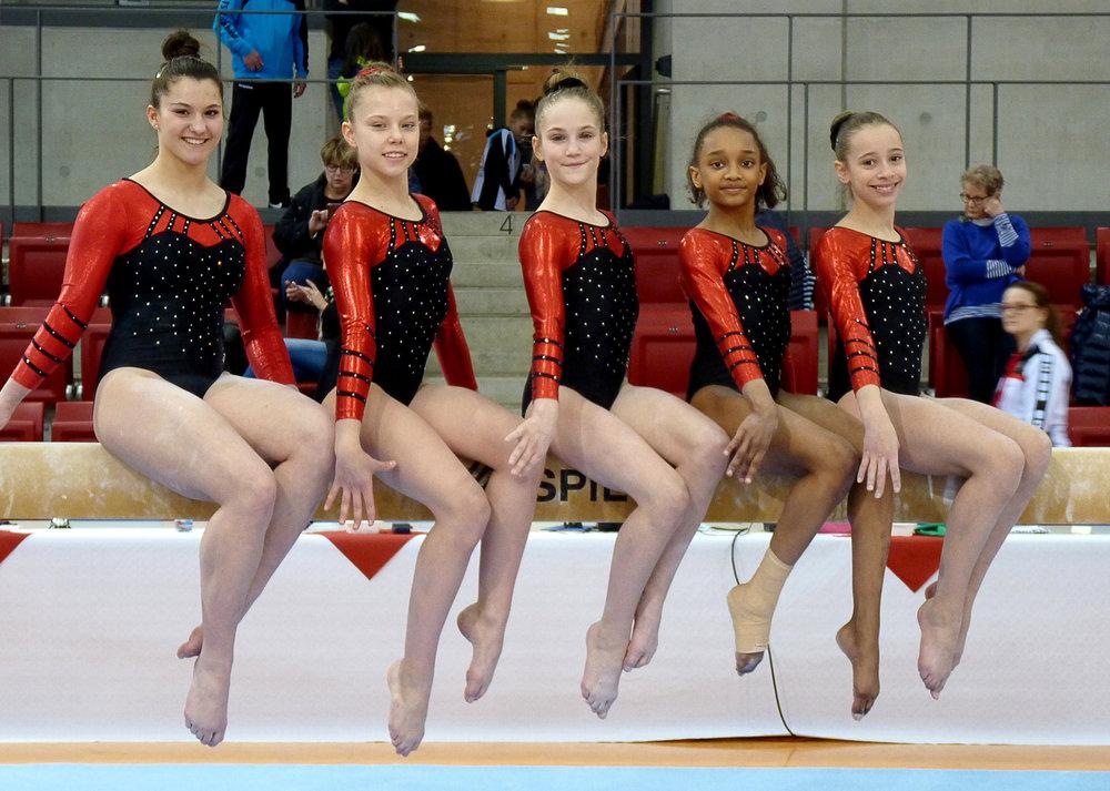 Von links nach rechts: Gaia Nesurini, Laetitia Gloger, Marie Madeleine Ahr, Seyna N`Doye, Anouk Almeida de Oliveria
