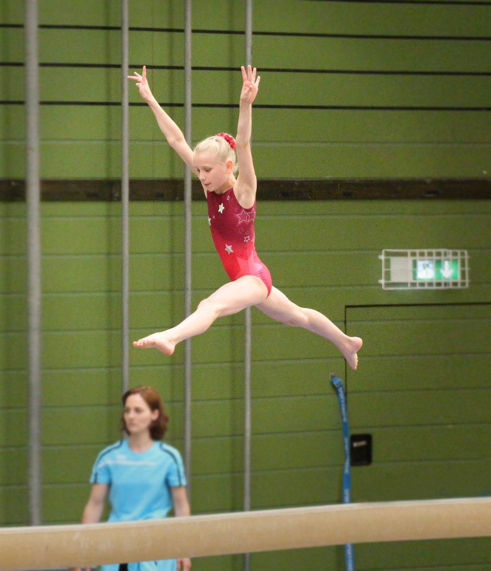 Hessischen Nachwuchs-Meisterschaften Einzelgerät Balken 2018