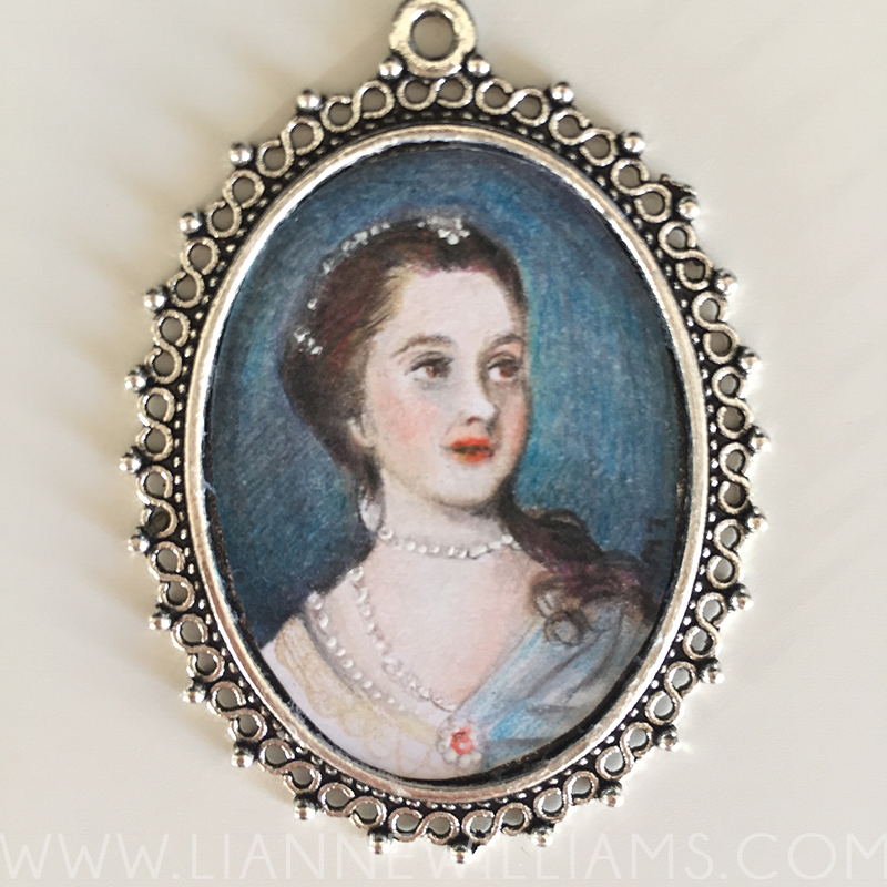 HOW I MADE MINIATURE FRAMED PORTRAITS for a dolls house by Lianne Williams