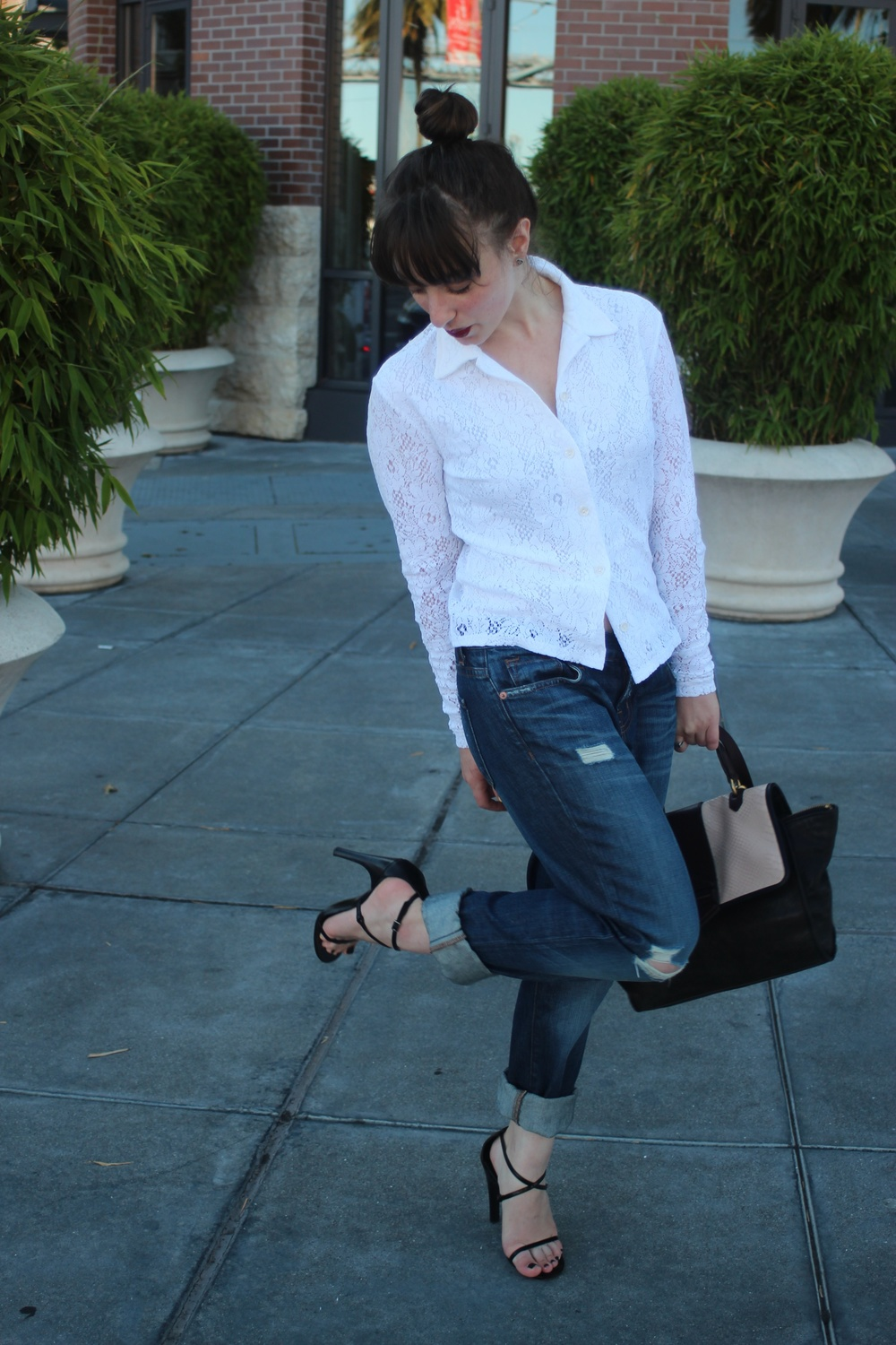 "Top: Vintage, Jeans: J Brand ""Aidan"", Shoes: Gucci, Bag: Marc by Marc Jacobs"