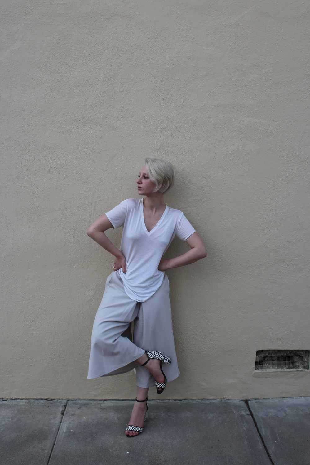 T-shirt:  Helmut , Culottes:  Asos , Shoes: Zara