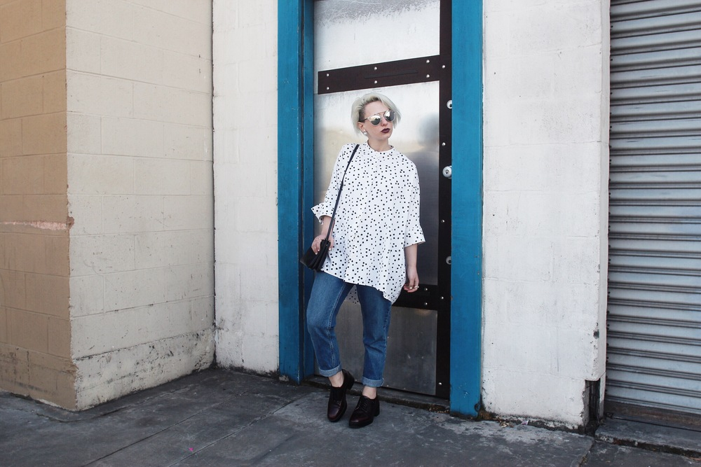 Tunic: The Podolls, Jeans: Topshop, Shoes: Zara, Bag: Celine, Sunglasses & Earrings: Dior