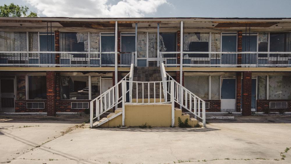 us-hwy-52-abandoned-hotel.jpg