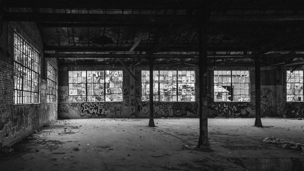 abandoned-atlanta-inside-warehouse-broken-windows.jpg
