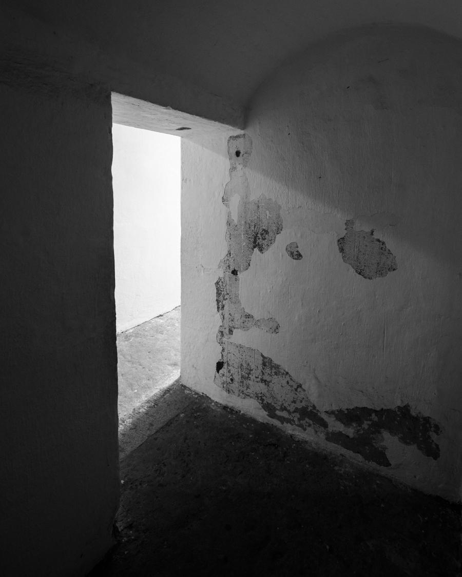 fort-moultrie-tunnel-door-shadows-light.jpg