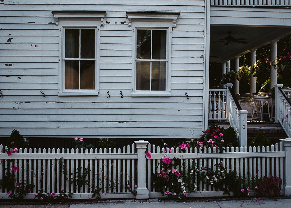 mt-pleasant-old-village-pitt-street-porch.jpg
