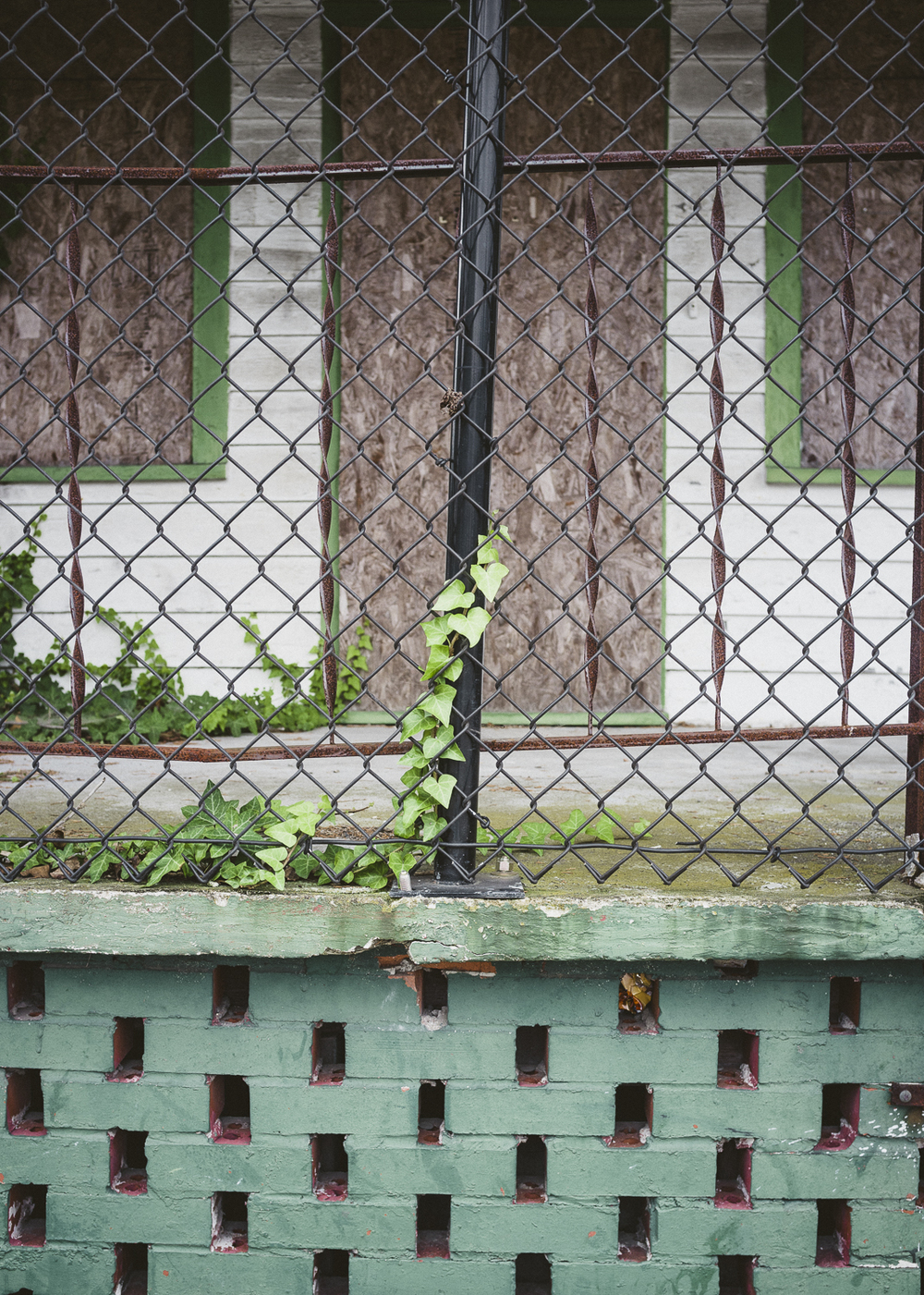 king-st-north-central-charleston-street-urban-abandoned-porch.jpg