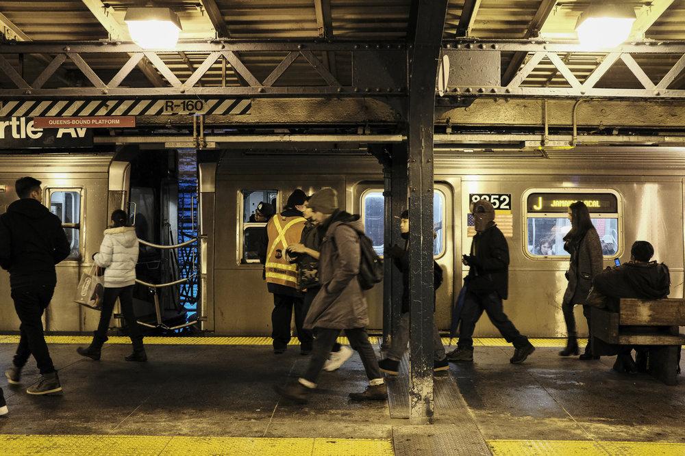 Myrtle Av Platform, Brooklyn