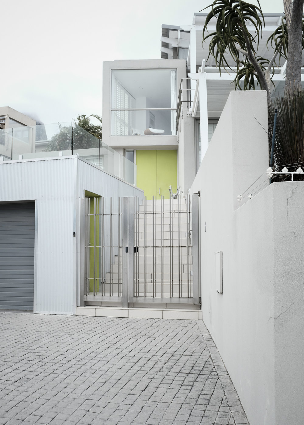 cape-town-south-africa-camps-bay-modern-architecture-1.jpg