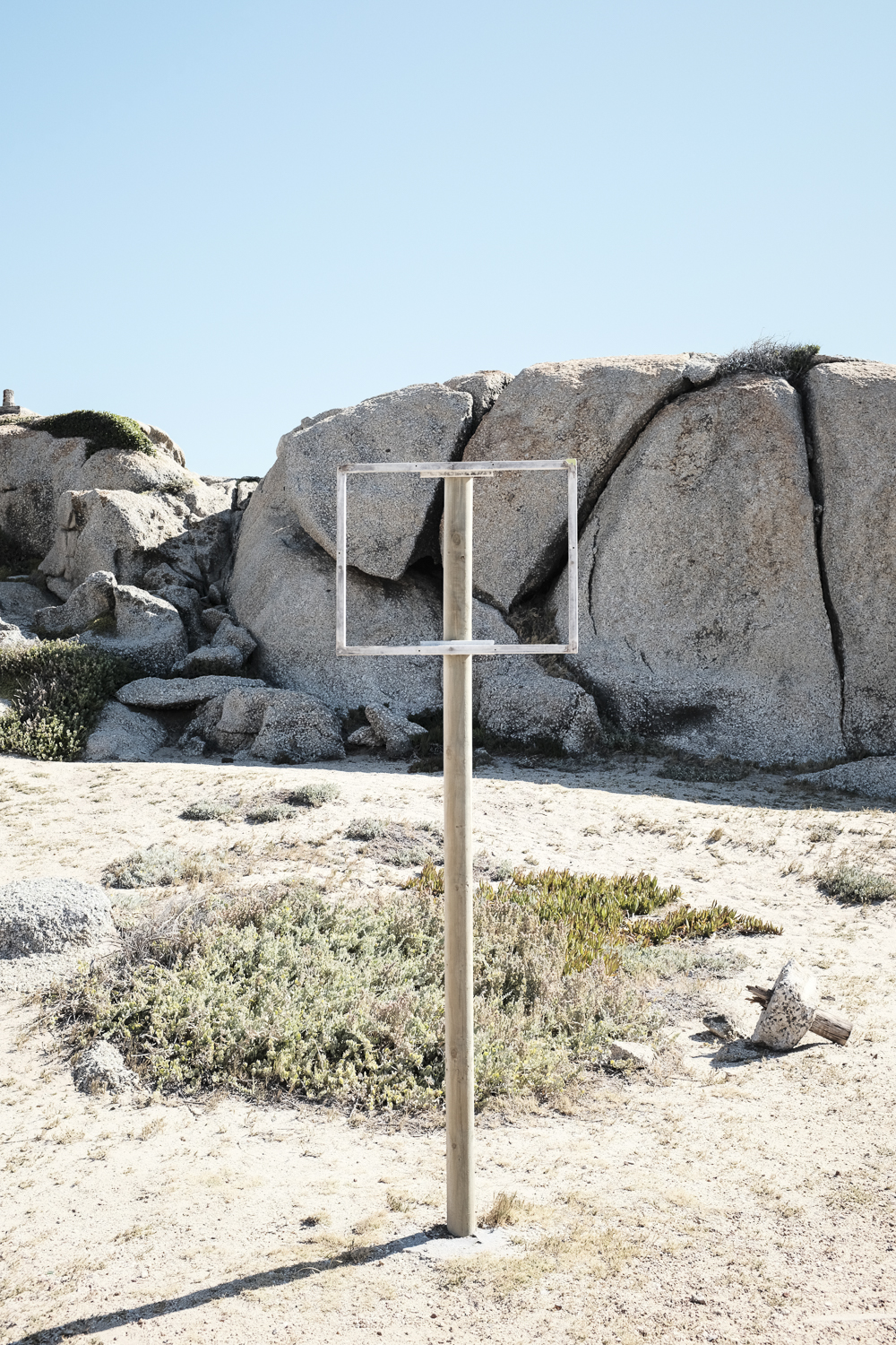 cape-town-camps-bay-empty-beach-sign.jpg