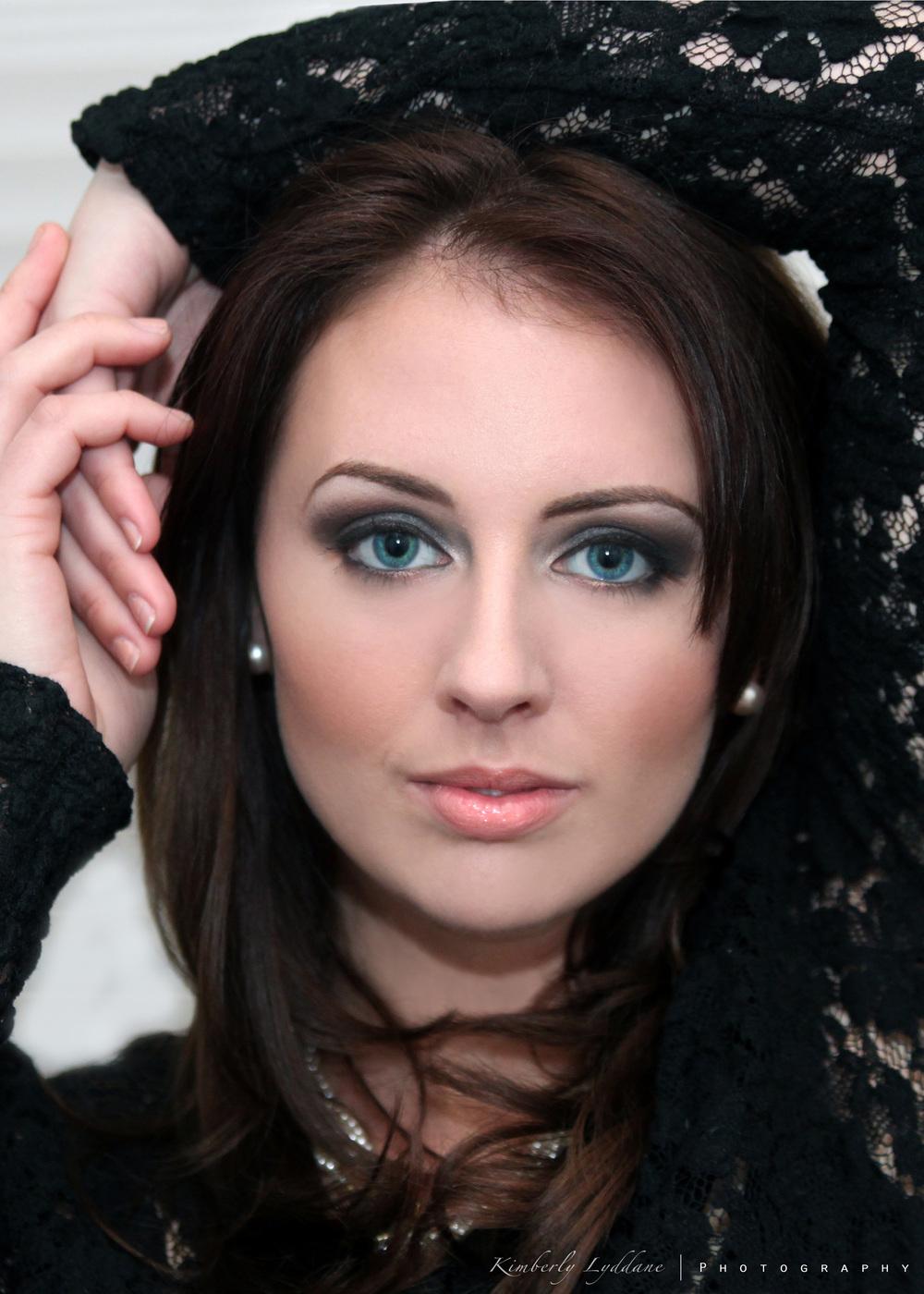 Smokey eye for blue eyes; headshot makeup by top Washington DC makeup artist Brigid Wilson on Fortique