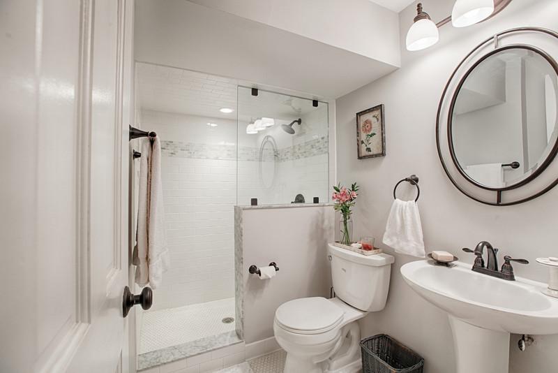 All White Bathroom Interior Design Ideas