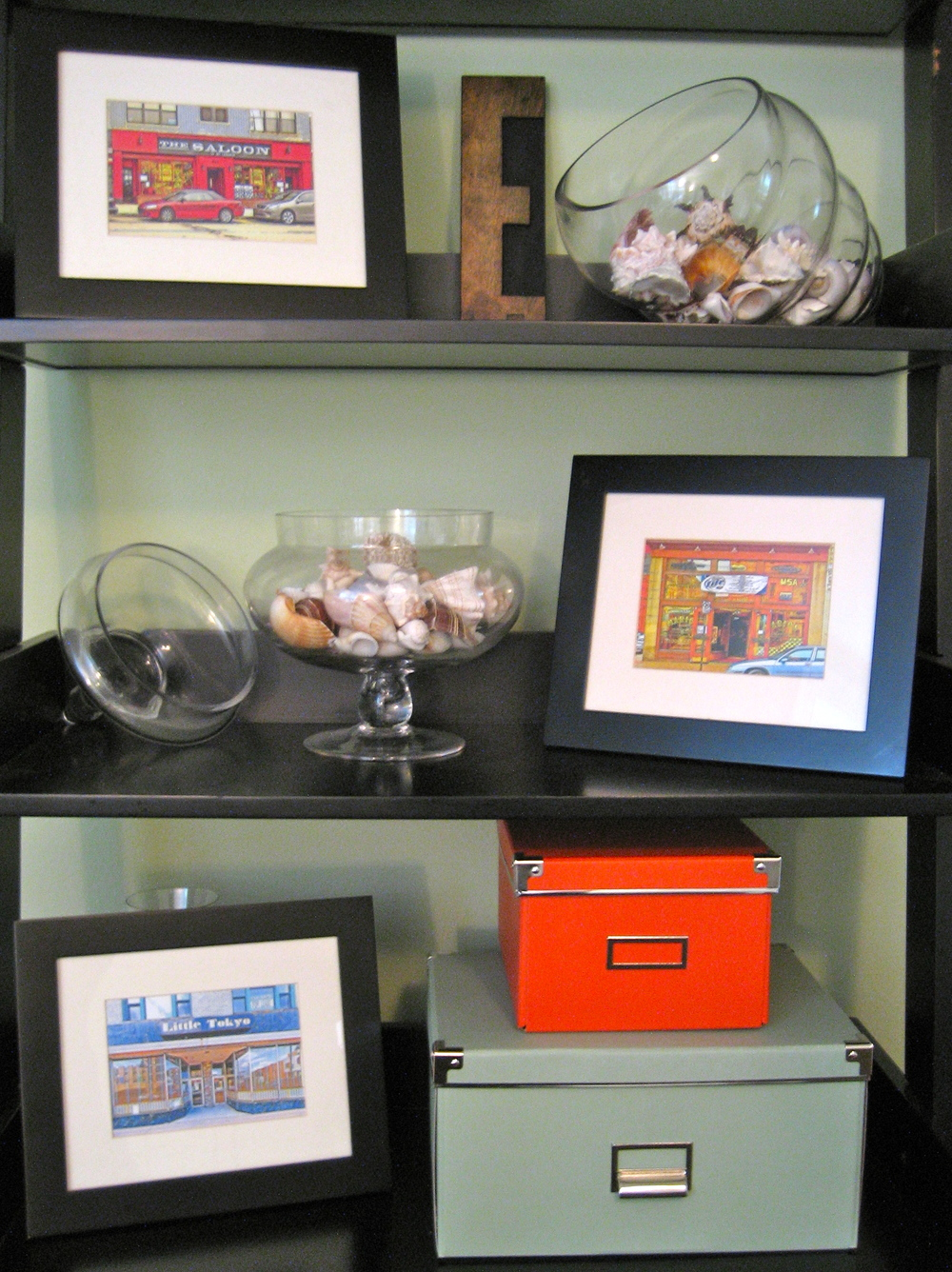 Decorating a Bookshelf