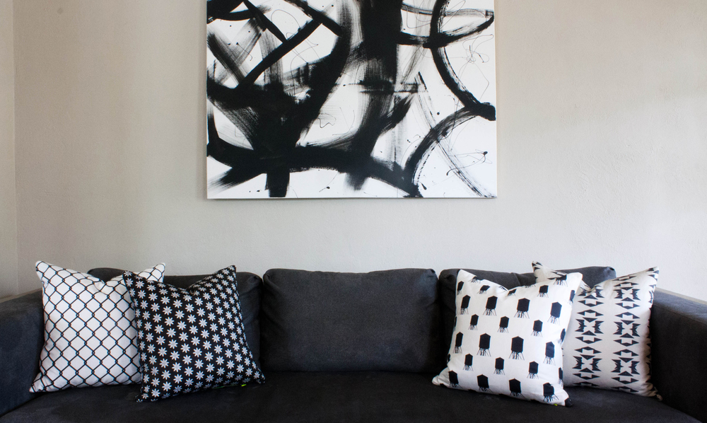 Black and White Family Room Decor